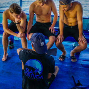 islatortugadivers.com koh tao advanced open water diver padi breifing
