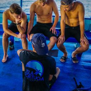 islatortugadivers.com koh tao advanced open water diver padi breifing