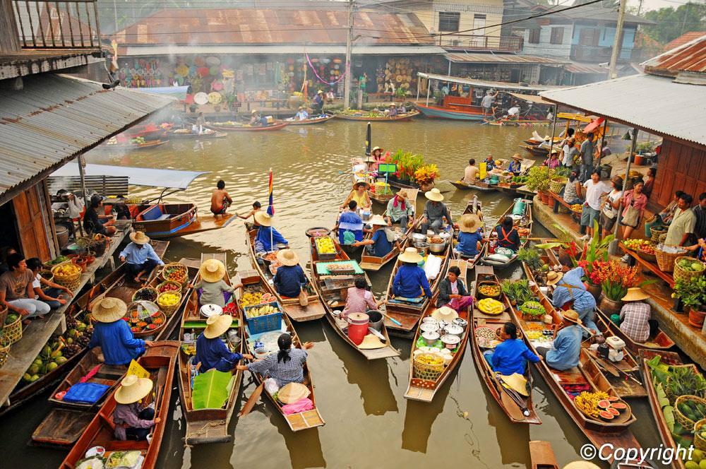 isla-tortuga-divers-koh-tao-floating-market