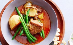 www.islatortugadivers.com-isla-tortuga-divers-koh-tao-massaman-beef-and-pineapple-curry