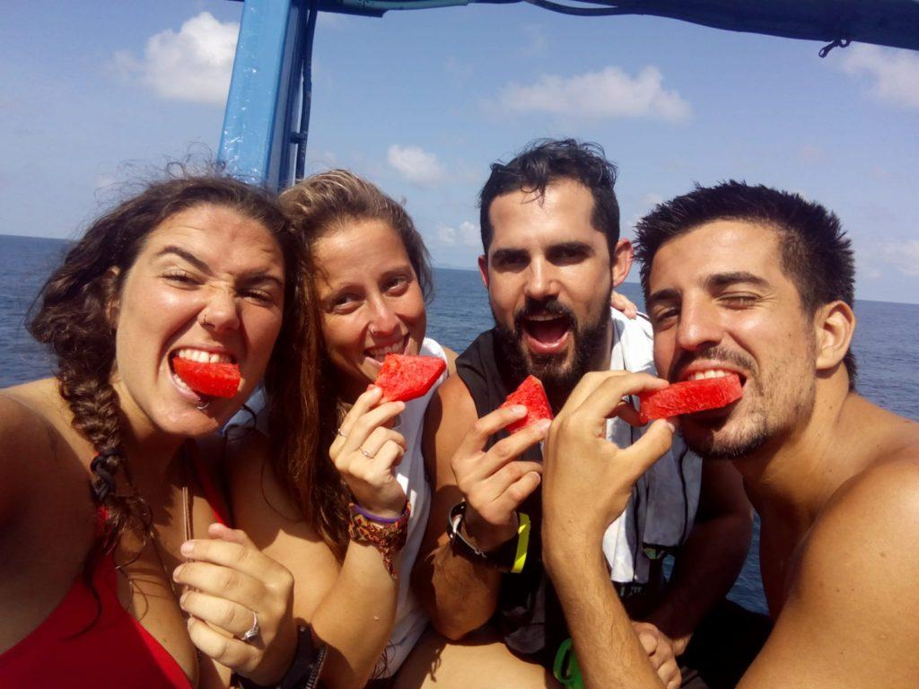 www.islatortugadivers-isla-tortuga-divers-koh-tao-cursos-buceo-español-equipo-ceaining-station-frutita