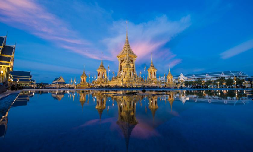 islatortugadivers.com La era de rattanakosin de Tailandia oro que sube al cielo