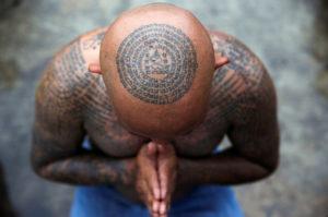 islatortugadivers.com koh tao tatuajes tattoo cabeza blog tailandia